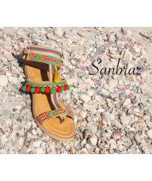 Wayuu hantverkar sandaler i läder och med tofsar - SANBRAZ GRECA